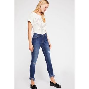 NWOT Free People Great Heights Frayed Skinny Jean